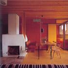 Villaggio Eni di Corte di Cadore, 1954-63, interno del soggiorno di una villa; Foto: Edoardo Gellner, Cortina d'Ampezzo